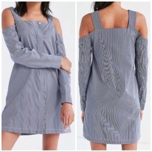 URBAN OUTFITTERS cold shoulder dress
